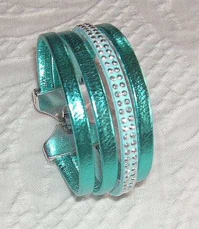 tuccifashiononline-2015-128-bracelet-turq-4-strands-pict1441-400x460